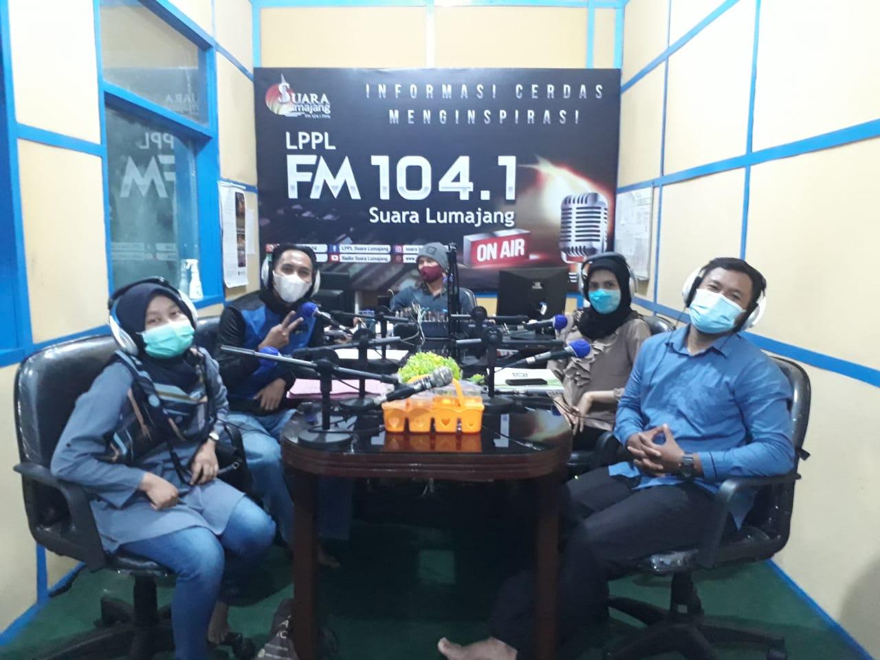 Diskominfo Sosialisasikan Perbup Satu Data Lewat Program Siar Warung Taho LPPL Radio Suara Lumajang